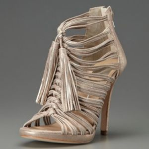 Dolce Vita carrie knot Tassle heels ( Gold)
